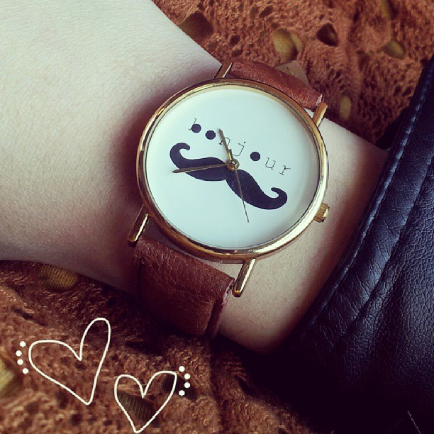 chicwish-mustache-watch