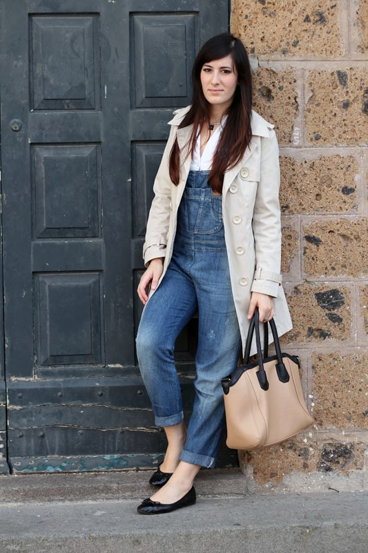 fashion blogger outfit trench salopette