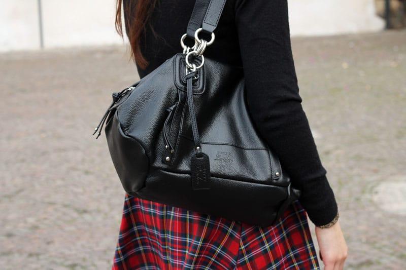 outfit-natale-gonna-tartan-alcott-borsa-betty-london