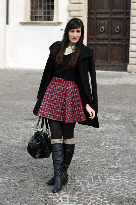 outfit-natale-gonna-tartan-alcott-stivali-borsa-betty-london-makeup-naked1-4