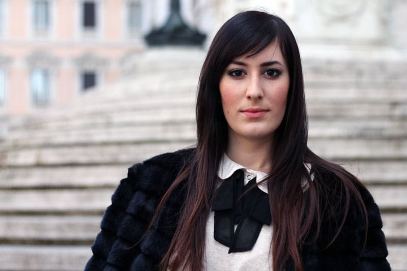 make up laura mercier outfit pelliccia chicwish gonna ecopelle stivali over the knee fashion blogger roma