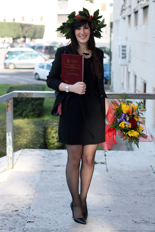 Abbigliamento Laurea Donna XE56 ~ Pineglen