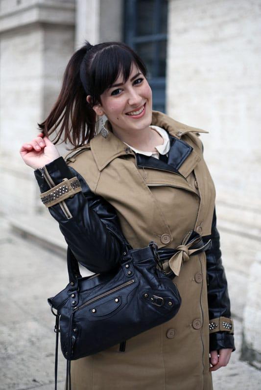 outfit primavera trench koralline stivali cuissardes balenciaga fashion blogger roma