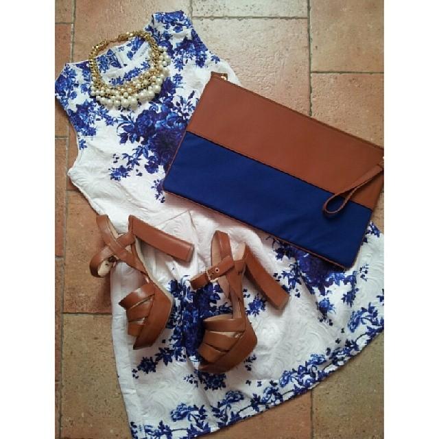 outfit-vestito-persunmall-sandali-guess-borsa-marakita