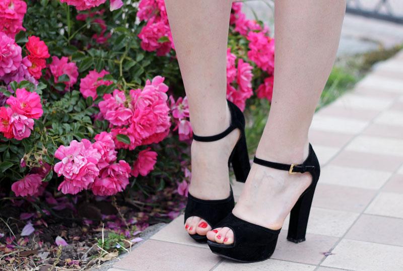 sandali estivi neri tacco