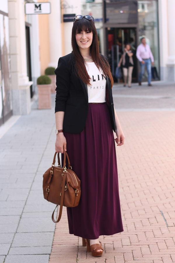 outfit estivo gonna lunga tshirt celine sandali tacco borsa mickael kors