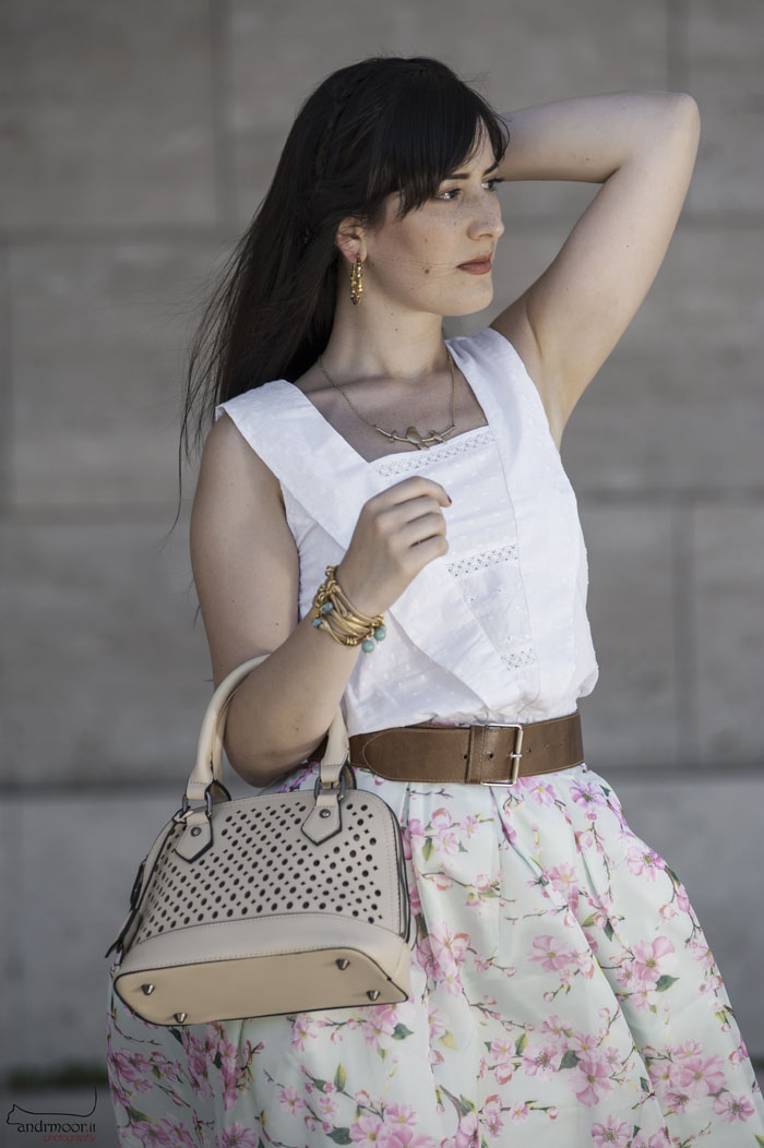 outfit anni cinquanta gonna ruota midi skirt chicwish sandali vernice fashion blogger roma