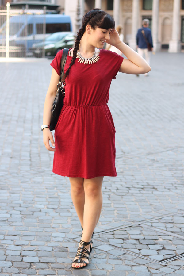 outfit estate caldo città vestito hm capelli raccolti treccia fashion blogger roma