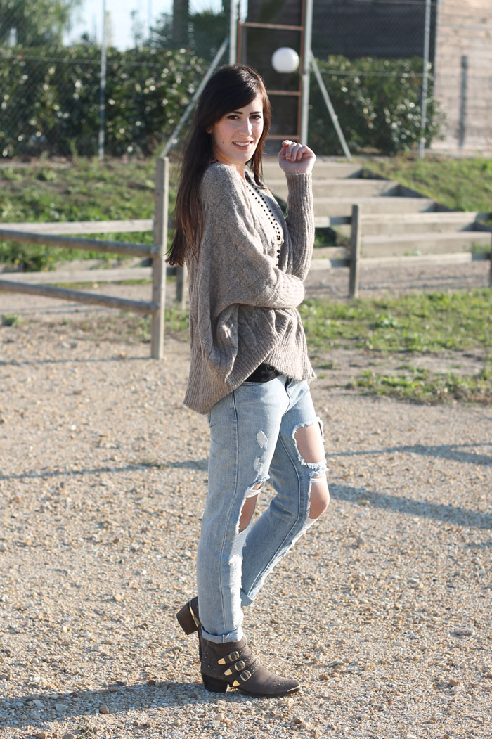 outfit comodo domenica skinny ripped jeans maglione oversize triple a