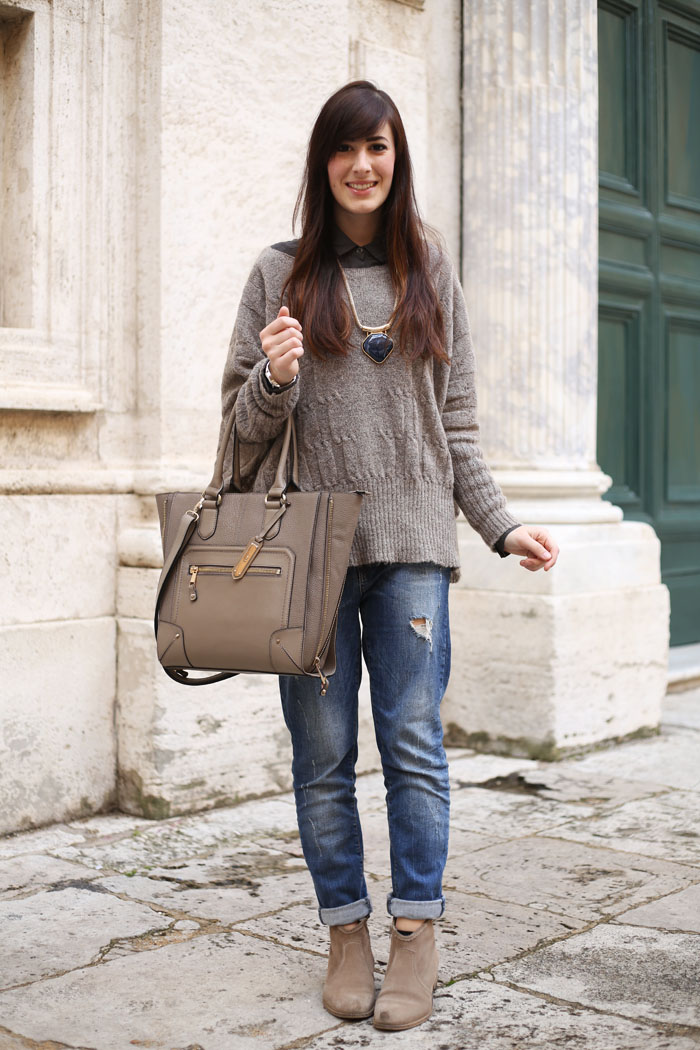outfit inverno jeans boyfriend maglione oversize shopping bag aldo shoes