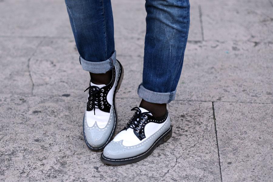 outfit universita jeans boyfriend stringate cult shoes