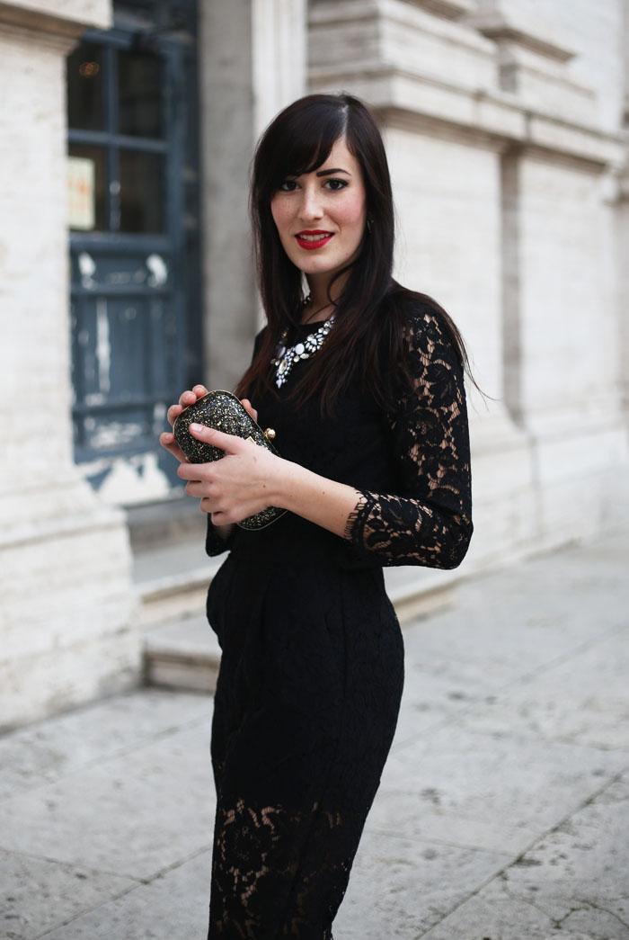 outfit-capodanno-tuta-pizzo-msgm-stivaletti-aldo-shoes-clutch-pomikaki-2