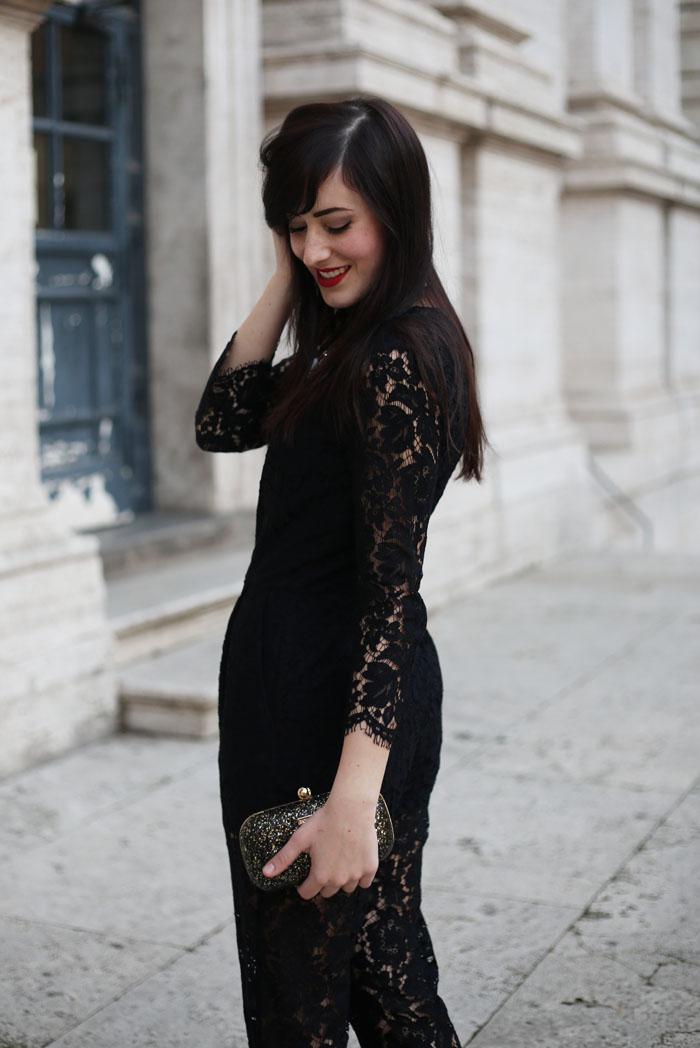 outfit-capodanno-tuta-pizzo-msgm-stivaletti-aldo-shoes-clutch-pomikaki-4