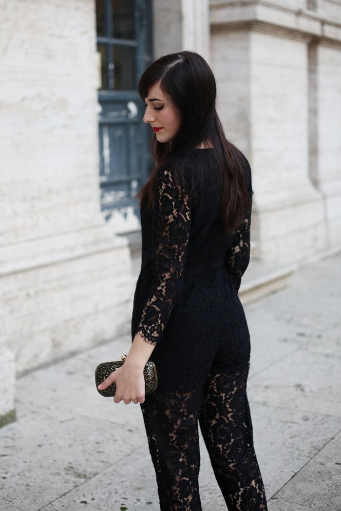 outfit-capodanno-tuta-pizzo-msgm-stivaletti-aldo-shoes-clutch-pomikaki-5