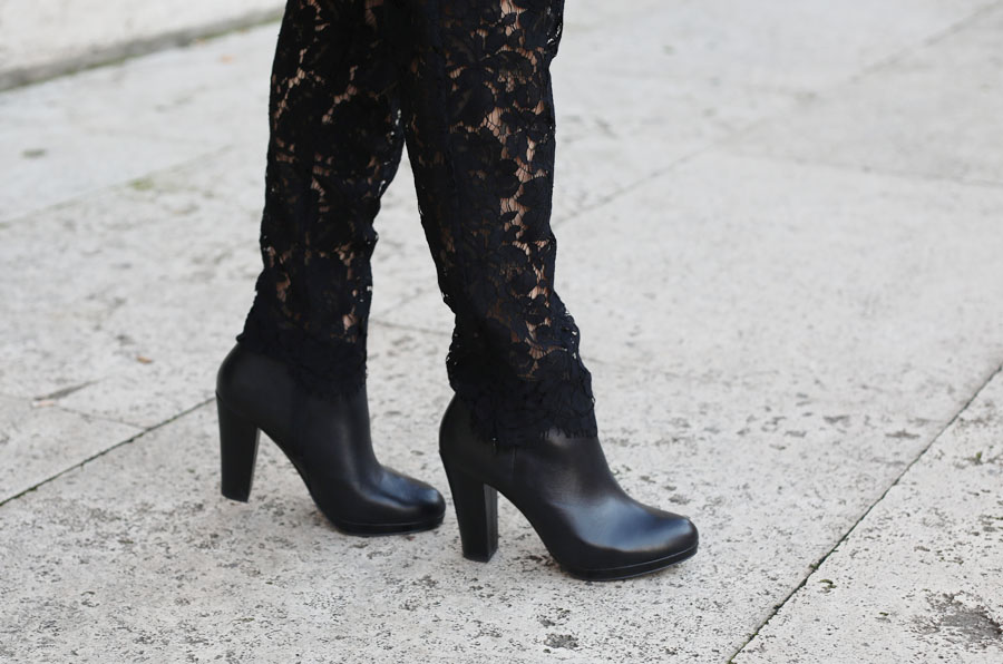 outfit-capodanno-tuta-pizzo-msgm-stivaletti-aldo-shoes-clutch-pomikaki-8