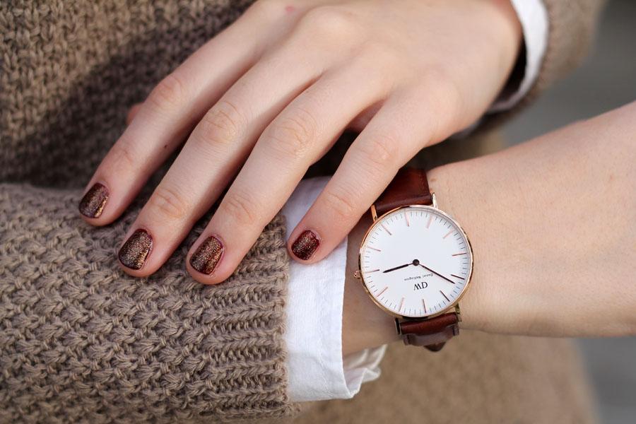 outfit-natale-orologio-daniel-wellington-manicure-glitter