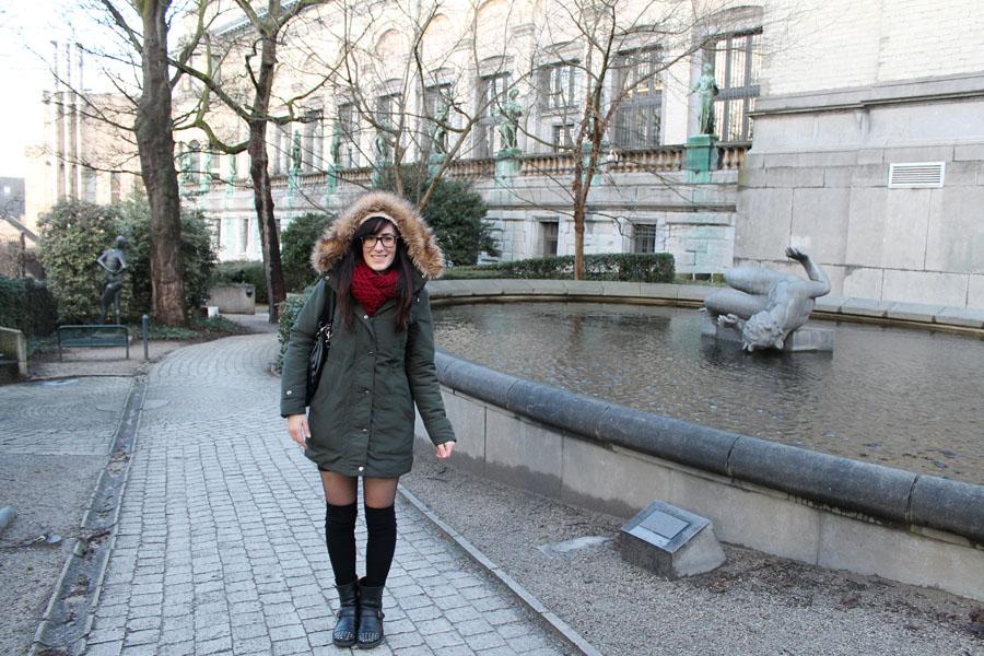 outfit-turista-inverno-bruxelles-parka-gonna-parigine-2