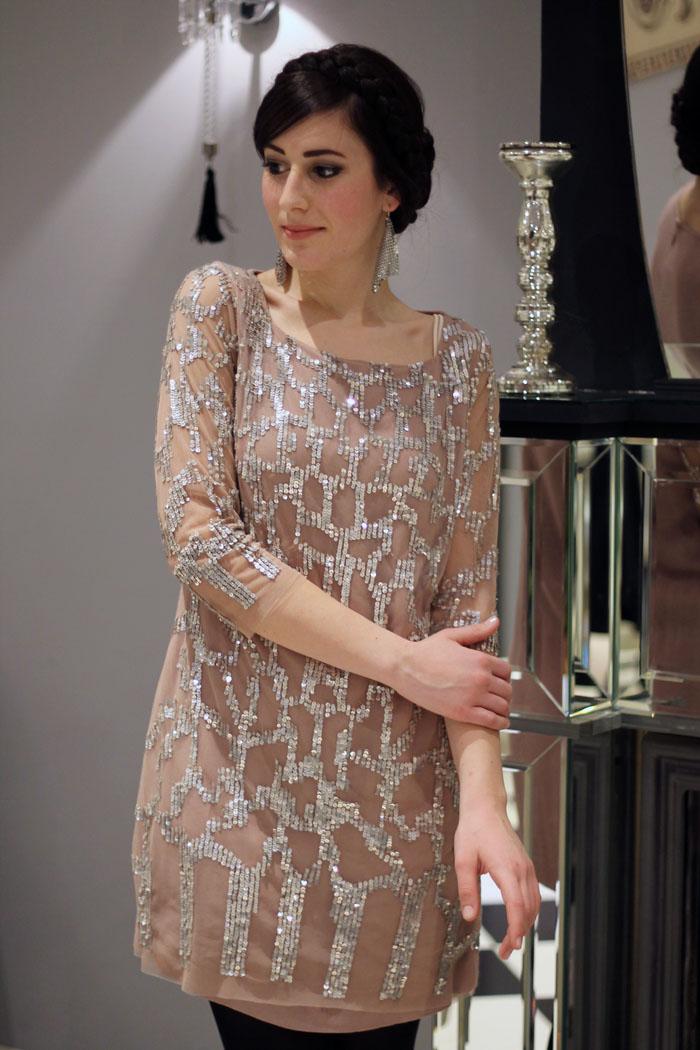outfit sera elegante chic bon ton vestito paillettes