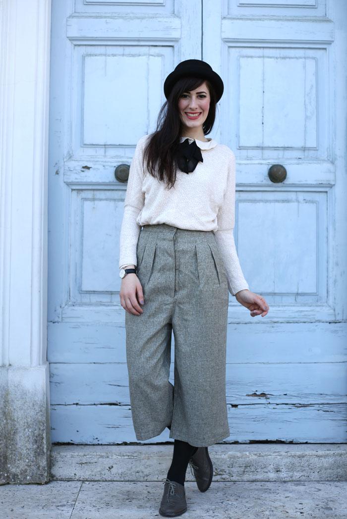 outfit-british-bon-ton-pantaloni-culotte-bombetta-2