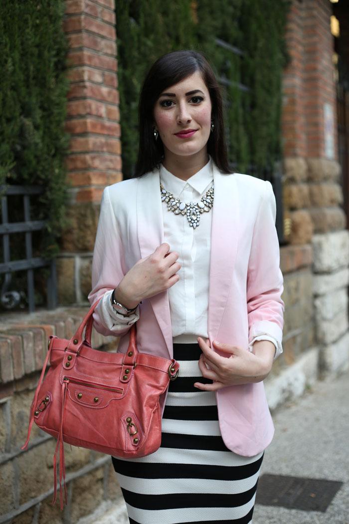 bianco nero e rosa un outfit elegante con gonna a tubino