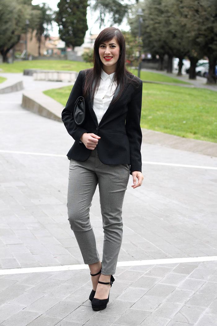 outfit-pasqua-garconne-boyish-elegante-camicia-bianca-blazer-2