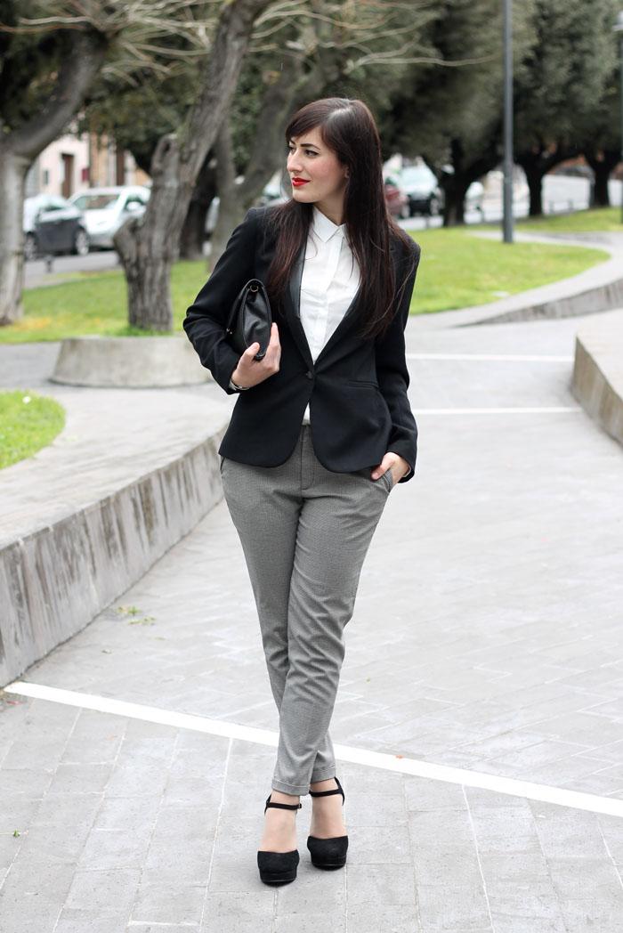 outfit-pasqua-garconne-boyish-elegante-camicia-bianca-blazer-3