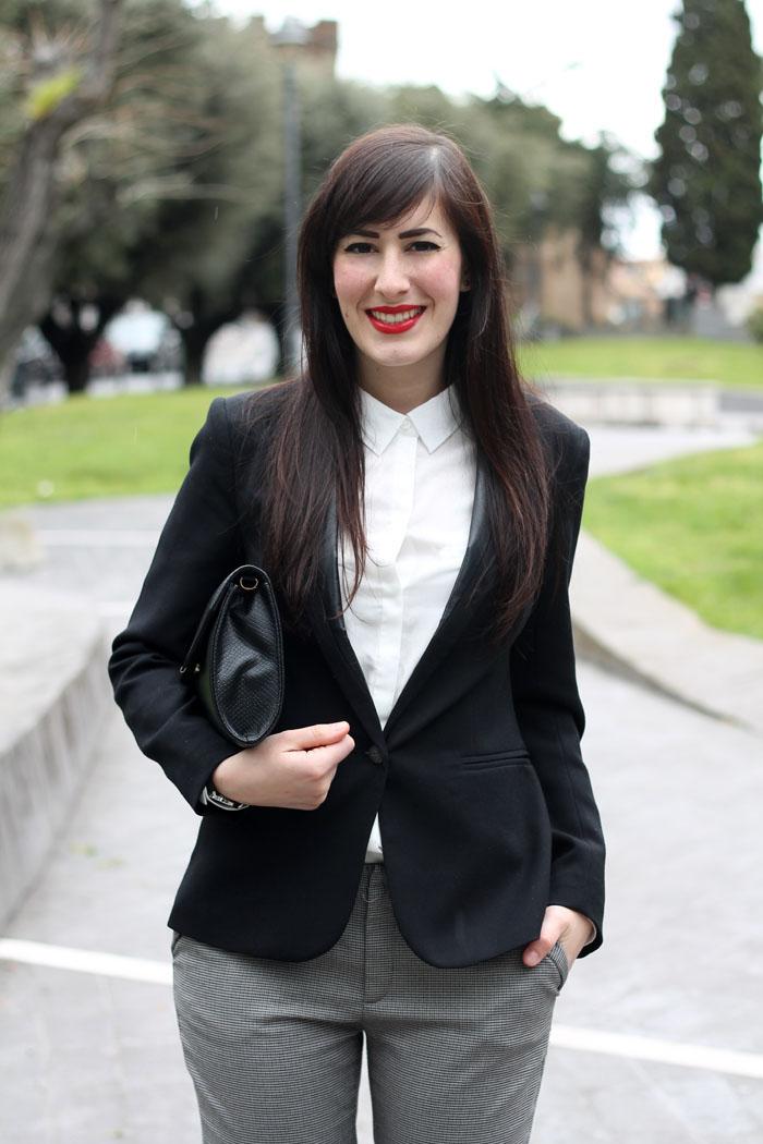 outfit pasqua garçonne boyish elegante camicia bianca blazer