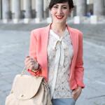 outfit colori pastello pantaloni camicia giacca sandali gardini spirit