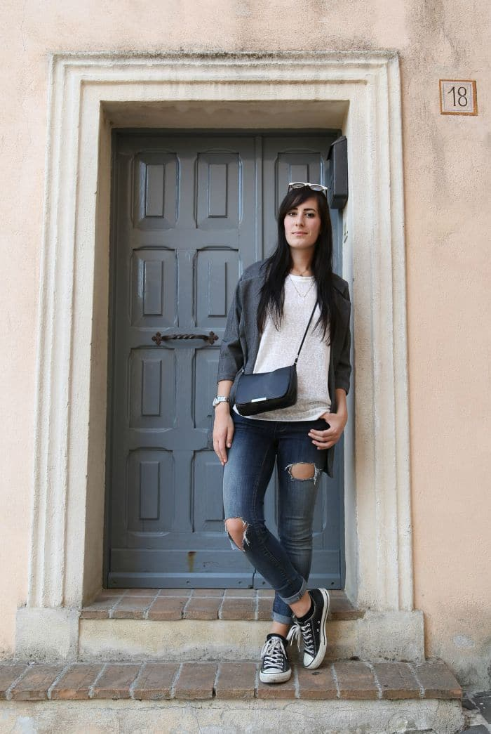 outfit-casual-essenziale-jeans-skinny-converse-blazer-1