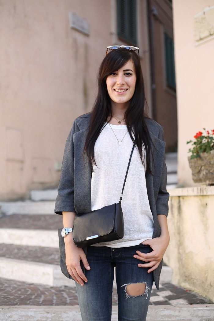 outfit-casual-essenziale-jeans-skinny-converse-blazer-4