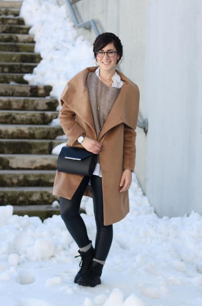 come-indossare-i-liquid-legging-ecopelle-outfit-1