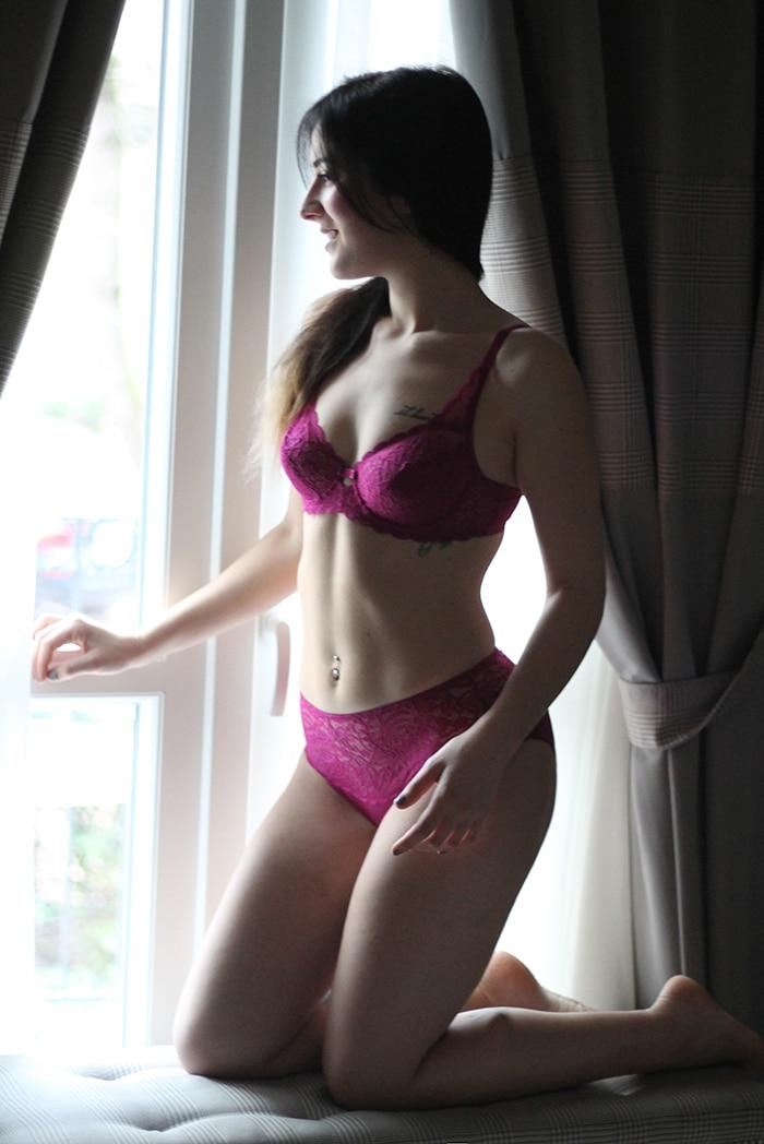 completino intimo lingerie pizzo fucsia amourette triumph san valentino