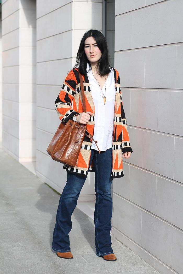 outfit anni settanta jeans a zampa tendenze moda pe2016