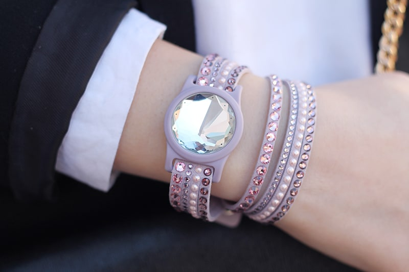 swarovski-activity-tracking-jewelry-2