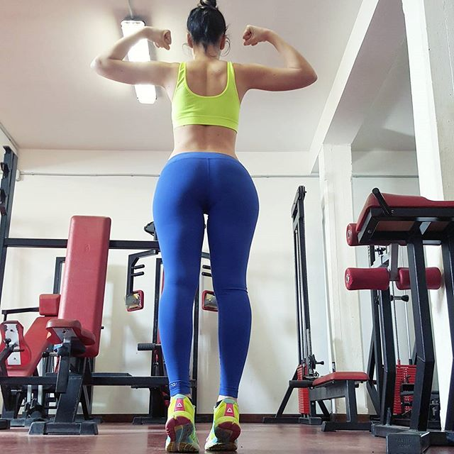 guida-home-fitness-glutei-build-a-better-booty-program-zoe-rodriguez-13