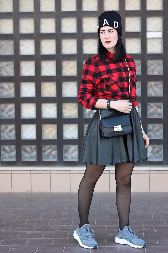 outfit-gonna-ruota-ecopelle-camicia-scacchi-nike-huarache-1