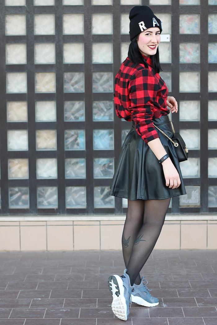 outfit-gonna-ruota-ecopelle-camicia-scacchi-nike-huarache-2