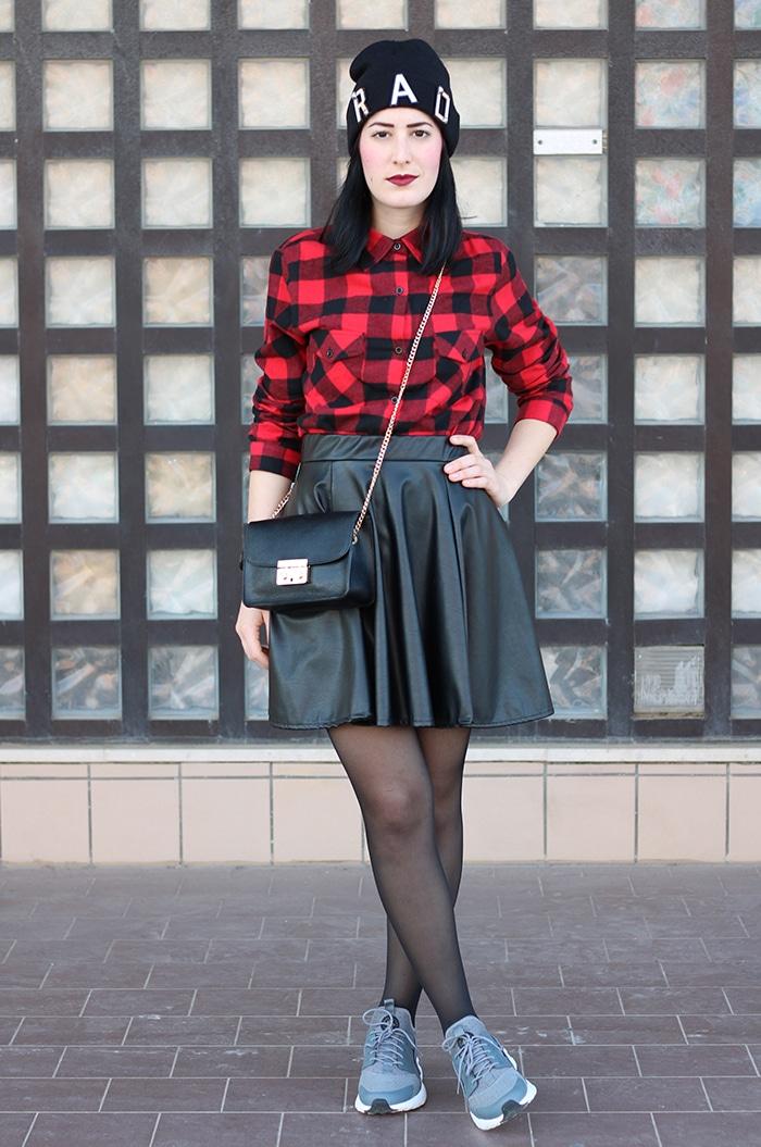 outfit-gonna-ruota-ecopelle-camicia-scacchi-nike-huarache-3