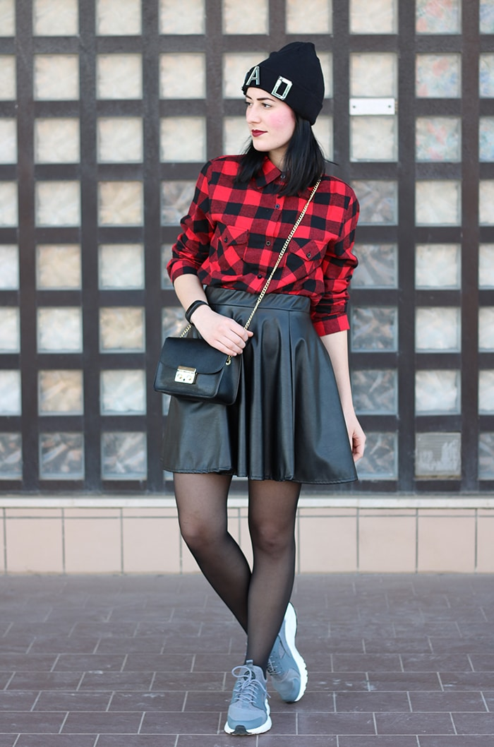 outfit-gonna-ruota-ecopelle-camicia-scacchi-nike-huarache-4