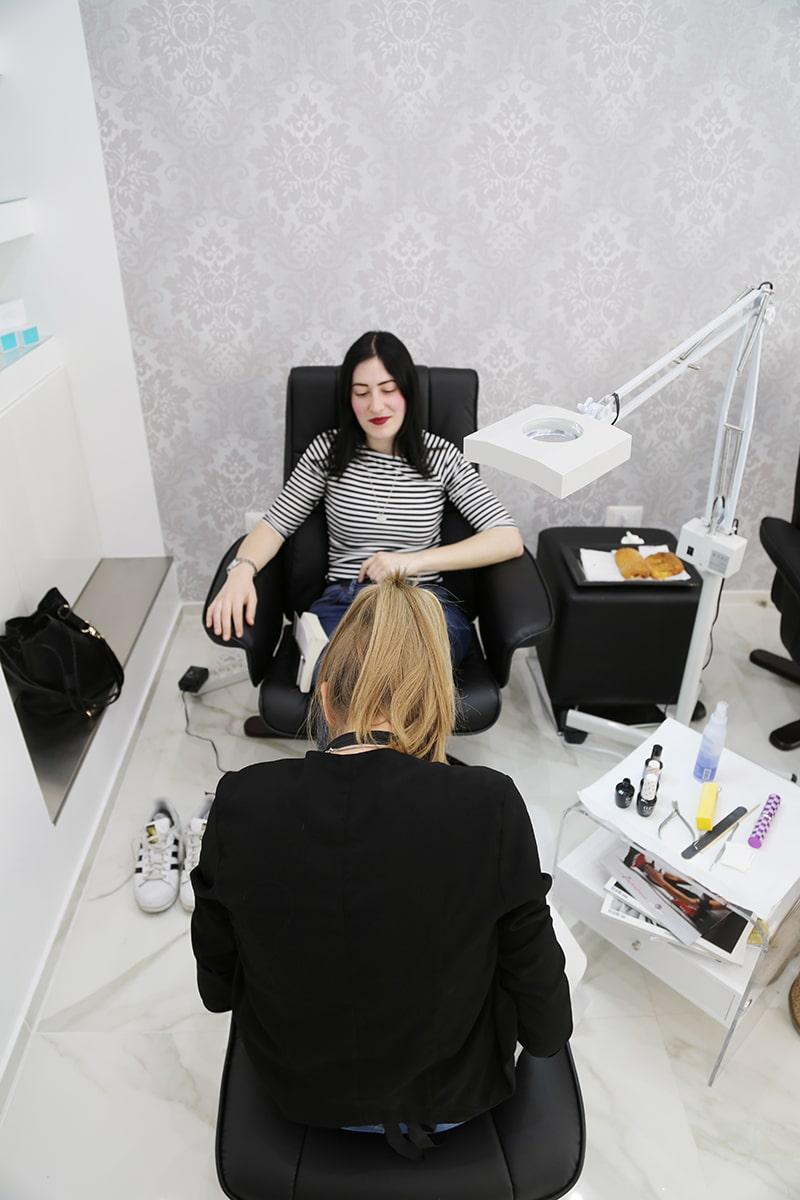easy-chic-nail-salone-estetica-manicure-pedicure-extension-ciglia-roma-balduina-2
