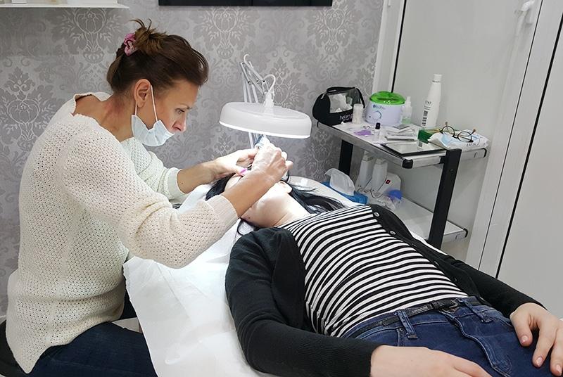 easy-chic-nail-salone-estetica-manicure-pedicure-extension-ciglia-roma-balduina-6
