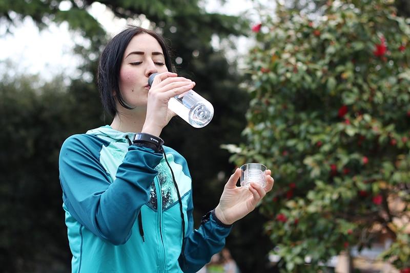 idratazione-sport-bere-acqua-crema-viso-biotherm-livemore-3
