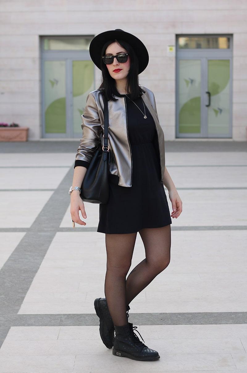 outfit-bomber-metallizzato-borsa-secchiello-1