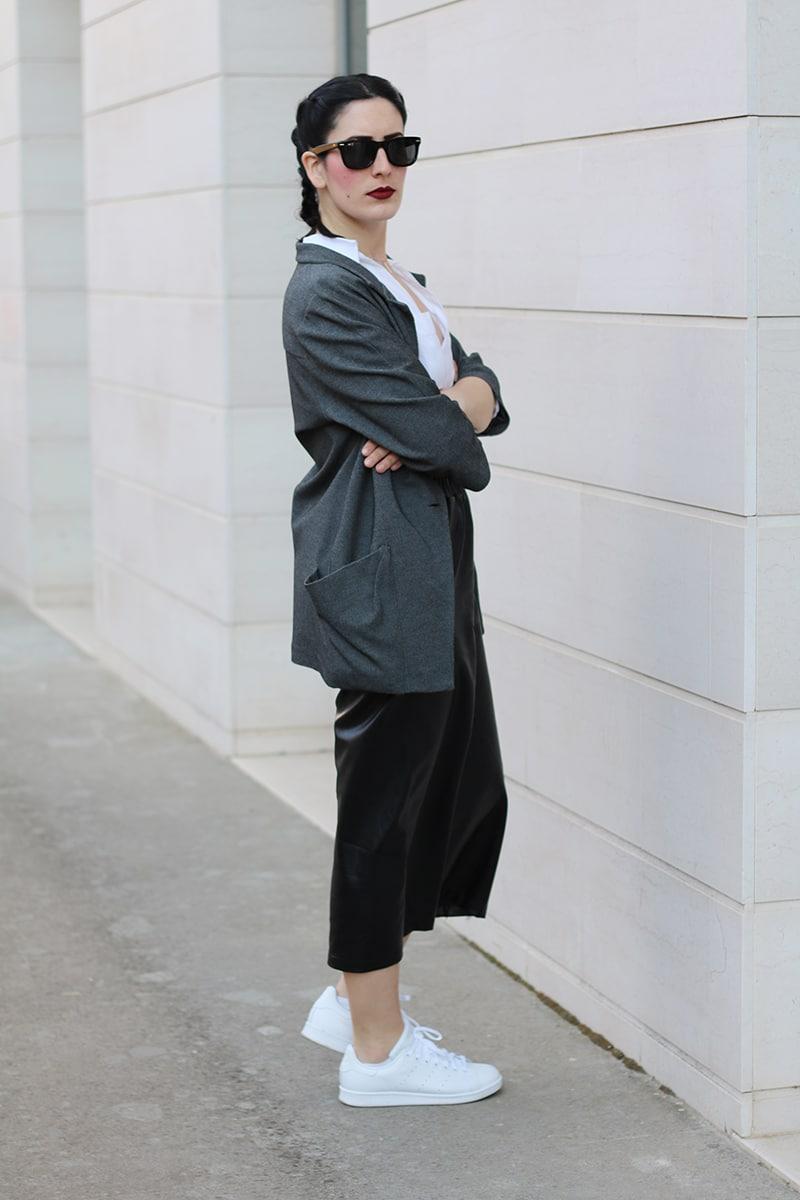 outfit-pantaloni-culotte-stan-smith-trecce-boxer-braids-6