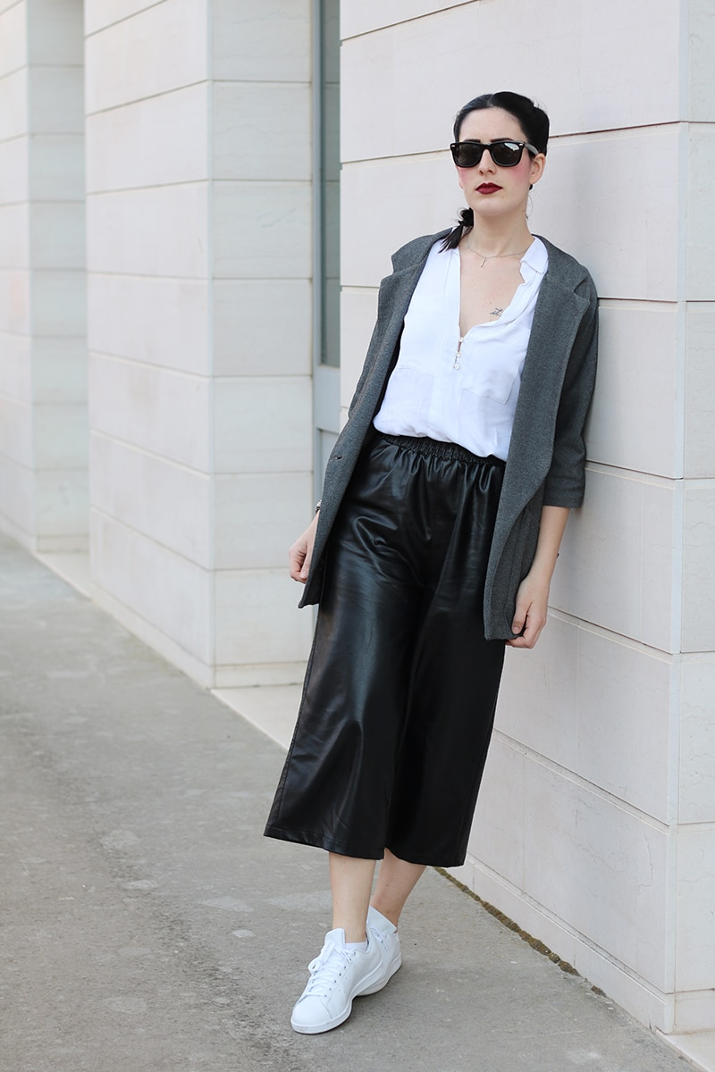 outfit-pantaloni-culotte-stan-smith-trecce-boxer-braids-8