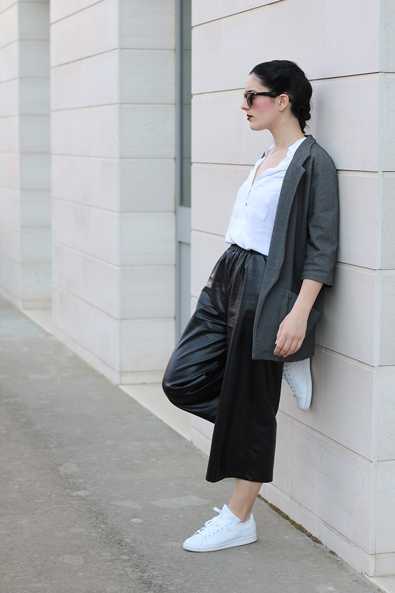 outfit-pantaloni-culotte-stan-smith-trecce-boxer-braids-9