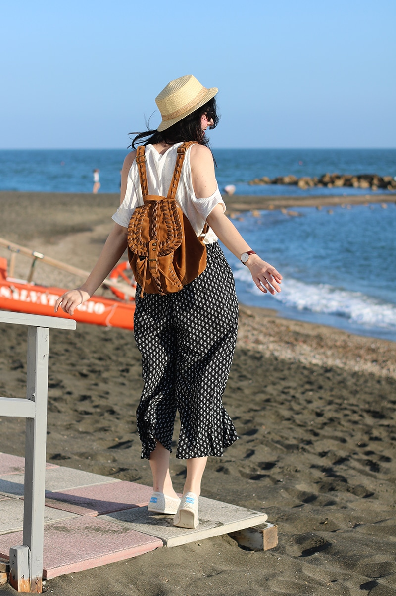 outfit-pantaloni-culottes-off-the-shoulder-top-espadrillas-toms-4