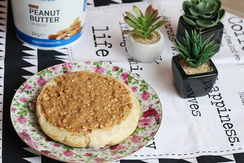 pancake proteico con burro d'arachidi