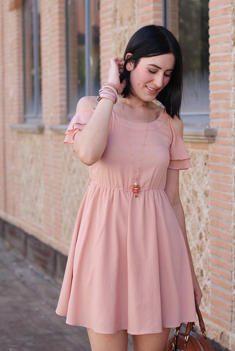 outfit-bon-ton-vestito-rosa-off-the-shoulder-gioielli-boccadamo-6