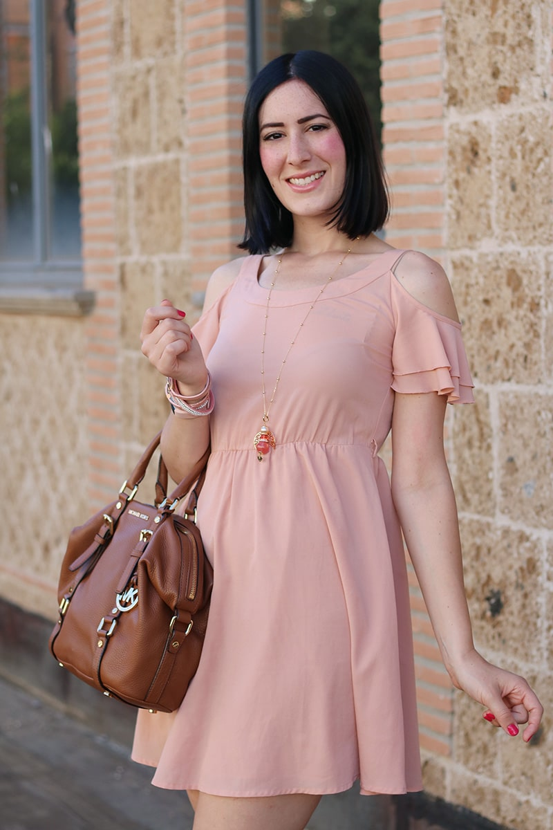 outfit-bon-ton-vestito-rosa-off-the-shoulder-gioielli-boccadamo-7